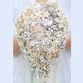Невесты Падение Брошь букет на заказ Свадебные Цвета Слоновой Кости и Золота Ювелирные Изделия Teardrop с цветами в руках Невесты свадебные букеты украшения