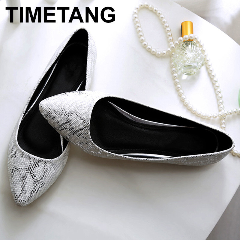 TIMETANG Snake pattern woman slip on shoes pointed toe ladies flats most popular OL work shoes brand design loafers woman C108 women ladies flats vintage pu leather loafers pointed toe silver metal design