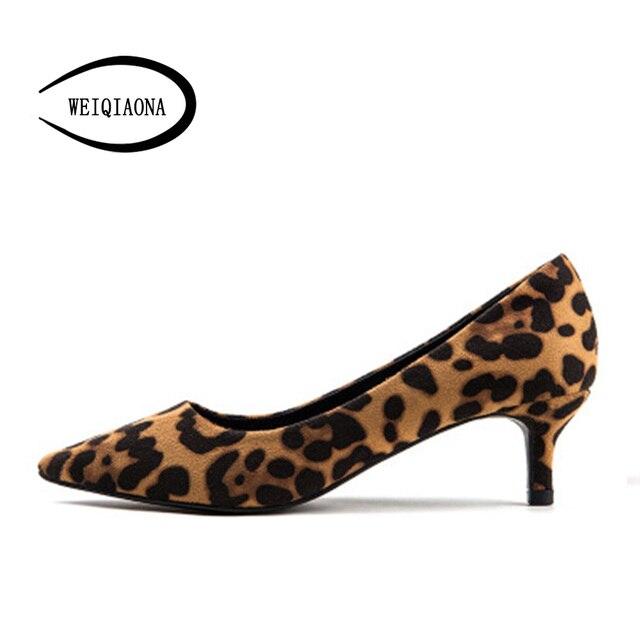 WEIQIAONA/Новинка 2019 года повседневное пикантные леопардовые женская обувь с острым носком удобные 3 см 5 туфли лодочки на высоком каблуке модельные туфл