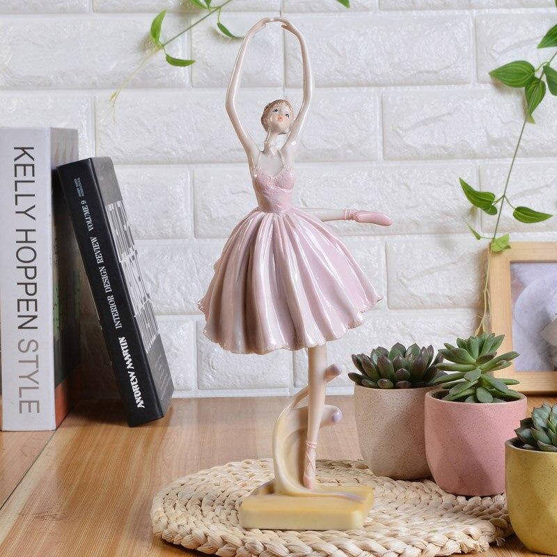 Résine européenne ballerine fille danse statue élégante figure artisanat décorations créatives d'anniversaire cadeaux décoration de la maison accessoires