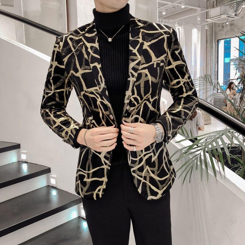 Velours Blazer Mâle Britannique Style Unique Poitrine Personnalité Motif De Mariage Mens Blazer Mode Slim Fit Blazer Et Vestes Hommes