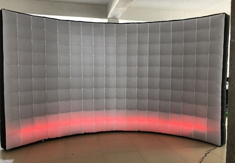 White b wall 01