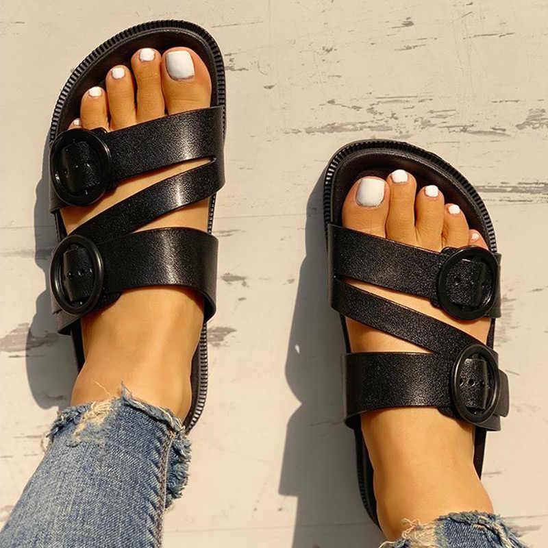 Yaz kadın gladyatör terlik toka askı Flip flop moda kadın PU düz slaytlar kaymaz bayanlar katı açık rahat ayakkabı