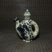 Chinese old porcelain pots of blue and white Porcelain Teapot wine pot