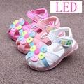 2016 Summer Children Shoes Girls Sandals Sapato Infantil Anti Slip Sole Baby Leather Sandals Kids LED Night Light Shoes Retail