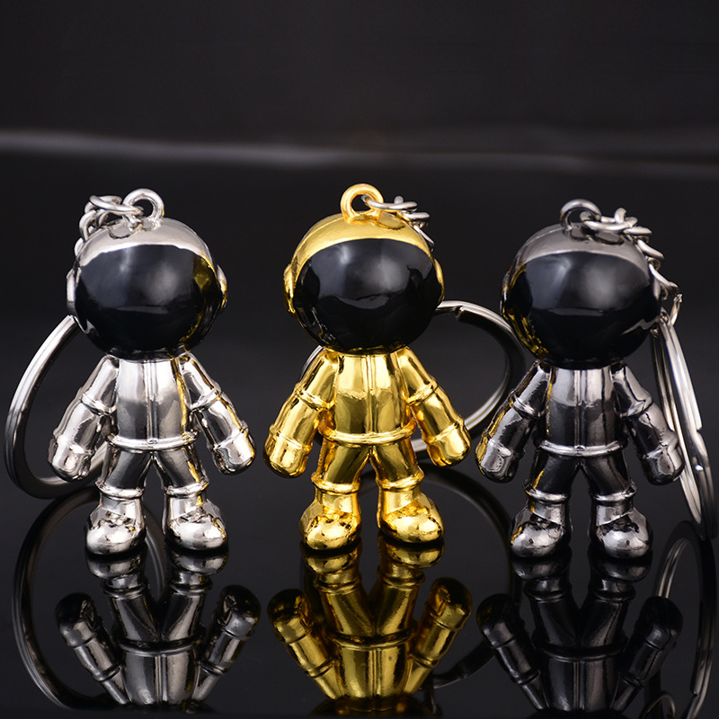 2018 Fashion Metal Astronaut Keyring Mens Spaceman Keychain Couples Boyfriend Jewelry Gifts Key Chain 3 Colors Bag Accessories