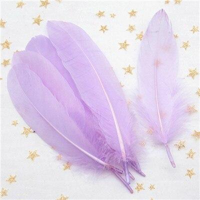 Натуральные лебединые перья 14-20 см, многоцветные гусиные перья, шлейф для рукоделия, свадебных украшений, рукоделия, украшения для дома, 50 шт - Цвет: Light purple 50pcs
