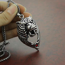 2018 new   men's titanium steel animal necklace stainless    steel tiger head pendant men titanium steel overbearing tiger head pendant necklace so235