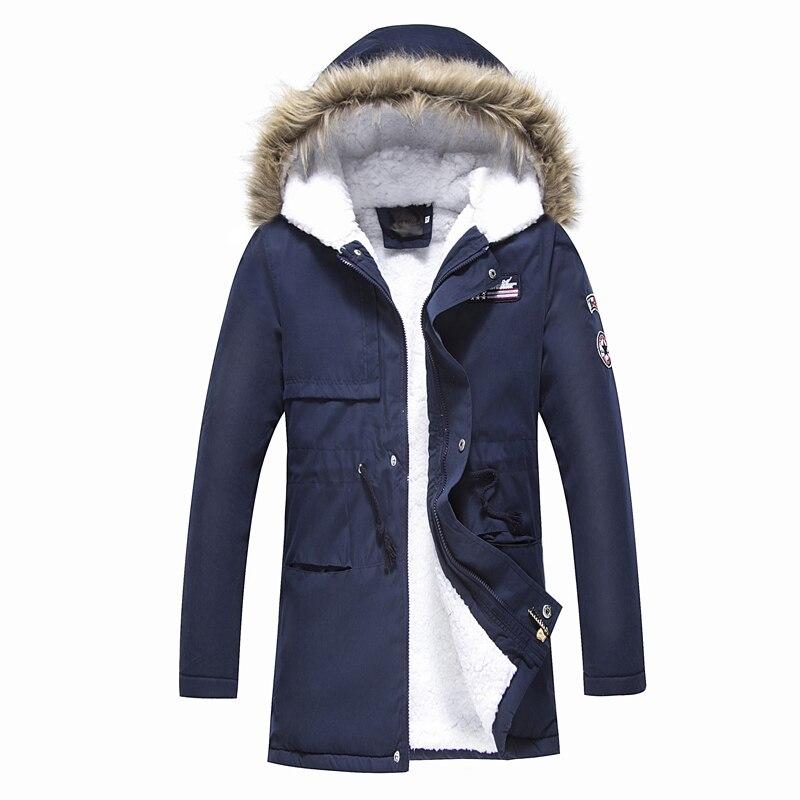 Abrigo de parkas con capucha para hombre 2018 chaqueta acolchada de estilo coreano con capucha para hombre Casual invierno y otoño abrigos añadir las parkas de Cachemira
