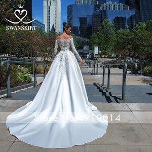 Image 2 - Swanskirt Vestido de novia de satén con apliques elegantes, cuello Barco, manga larga de encaje, línea A, Vestido de novia Princesa, F135 Vestido de novia, 2020