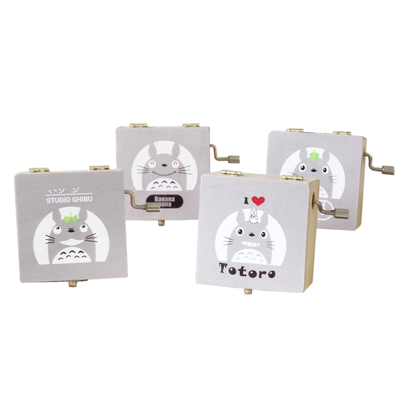 Random delivery Gifts 2018 New Cute hand mirror for Friends Music and Style Kids Music Box Totoro expression wooden