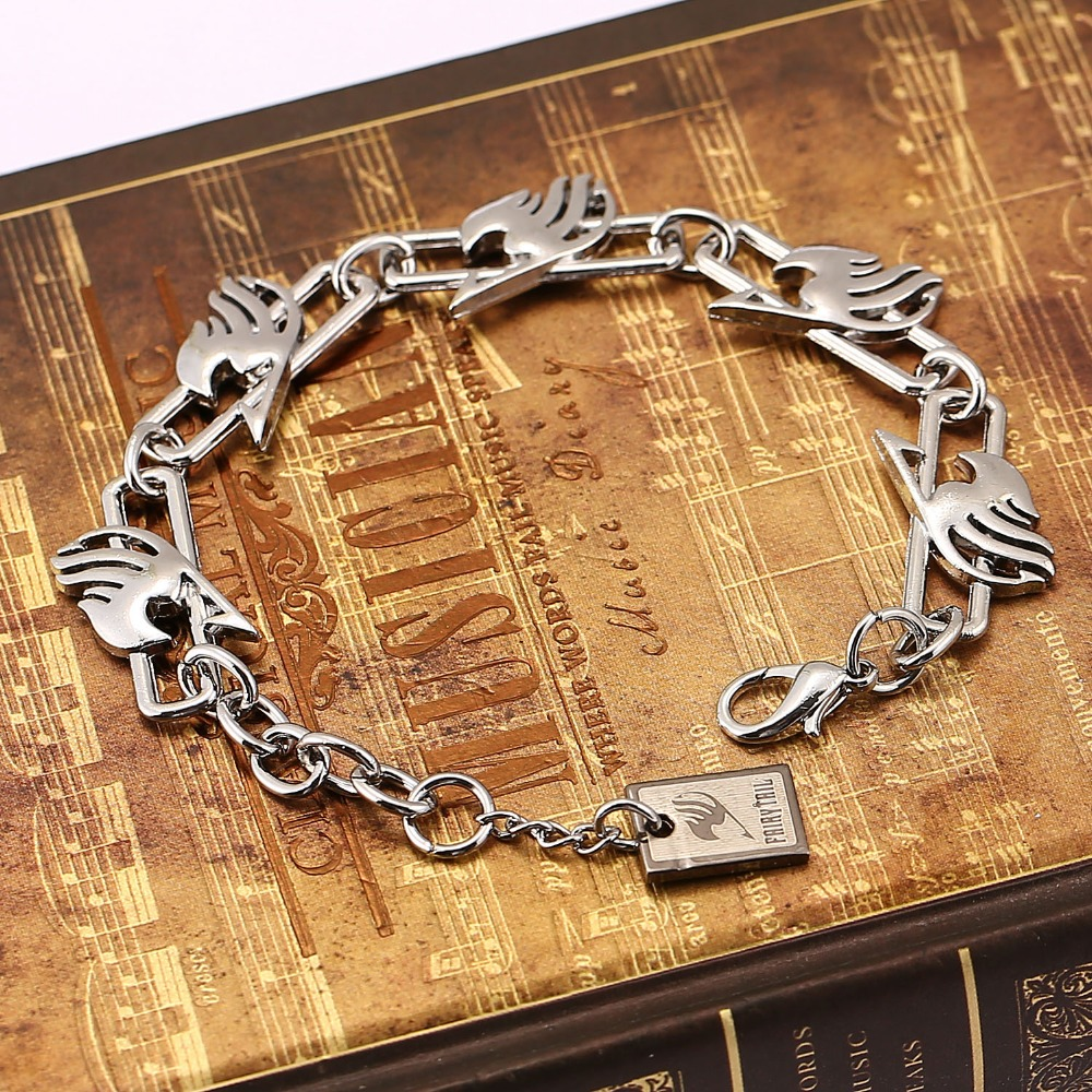 Anime Fairy Tail Metal charm Bracelet with lobster clasps Cosplay Bangle Gift Fashion Jewelry Cosplay Accessories