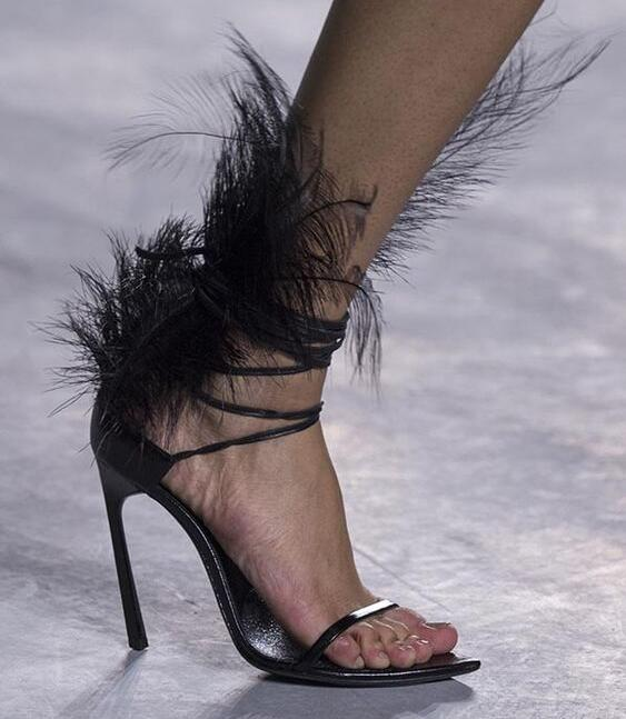 Femmes attaché Croix En Décoration Chaussures Ouvert Nouveau Pic Plume Sandales À Talon Spectacle Bout As Mince Noir 2019 Gladiateur Sexy n78qOx7w4
