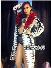 European and American DJ singer costumes 2ne1 CL Licai Ling Red Leather grass black and white leopard costume women's fur coat
