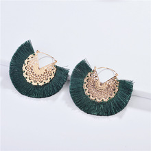 QTWINDY Tassel Earrings For Women Vintage Bohemia Golden Hollow Statement Jewelry Fashion Colorful Charm Earrings Female 2018 summer new india golden jhumki earrings bohemia blue tassel earrings hippy charm fake beach travel jewelry