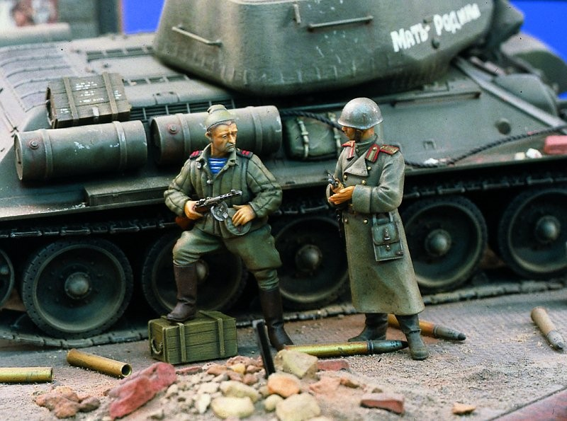 1:35 Red Army Officers
