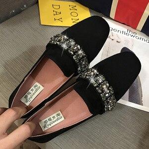 Image 2 - 女性ソフト底の正方形のつま先モカシン女性クリスタルローファー韓国スタイルビッグサイズ妊婦靴女性の快適駆動靴