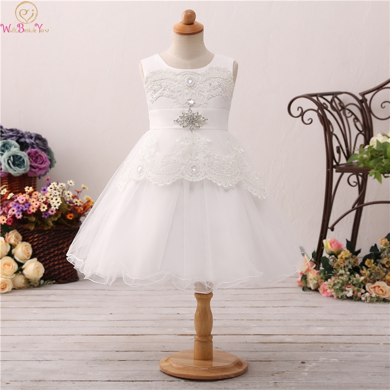 2019 Tea Length Ball Gown   Flower     Girls     Dresses   For Wedding Fluffy Appliques With Crystal Pearls First Communion vestido Gowns