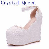 קריסטל מלכת חתונה פרח לבן גברת נעלי עקבים גבוהים מתוקה שמלת כלה ואגלי פנינת תחרה נעלי נשים נעלי סנדלי טריז