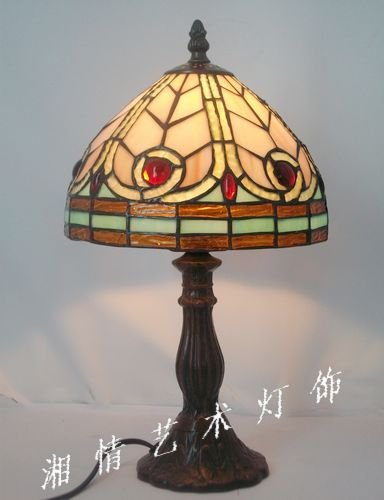 Direct manufacturers of8 inches of simple European style Dragonfly small lamp Tiffany glass lamp bedside lighting alloy base