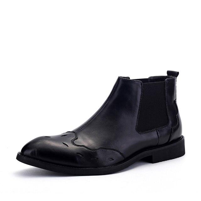 Botines Planos de Los Hombres Zapatos Casuales Brogue Punta estrecha Charol Suave Arranque Bullock Zapatos de Boda Vestido Negro de Negocios Oxford