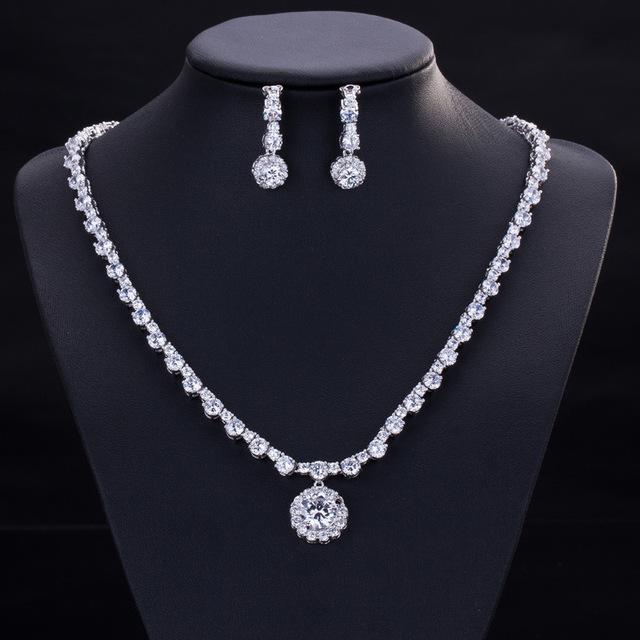 AAA Calidad de La Joyería Para Las Mujeres Gota de Agua de Cristal Llena de Boda CZ Diamante Novia Collar Colgante y Pendientes Claro