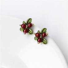 America and Europe pop ms pearl earrings Green imitation restoring ancient ways of the lacquer that bake