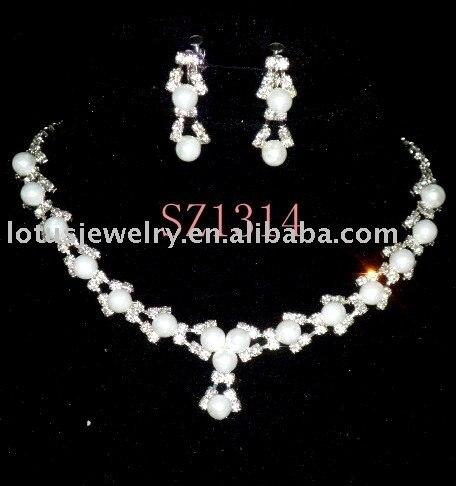 Wedding Jewelry , Bridal Earring , Crown,Wedding & Evening Dress Accessory