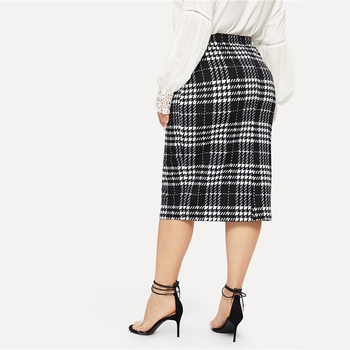Black Solid Women Plus Size Elegant Pencil Skirt