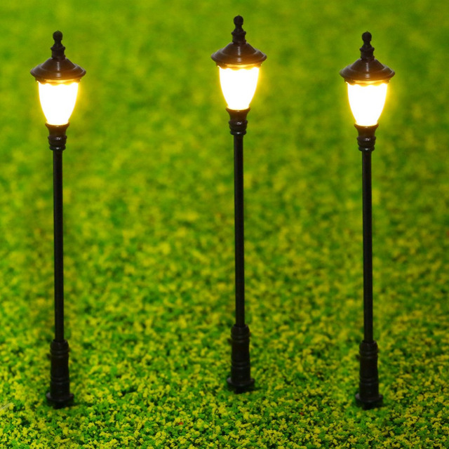 Merveilleux 10pcs 1:50 Single Head Outdoor Garden Lamp Post Miniature Yard Lights Model  3V