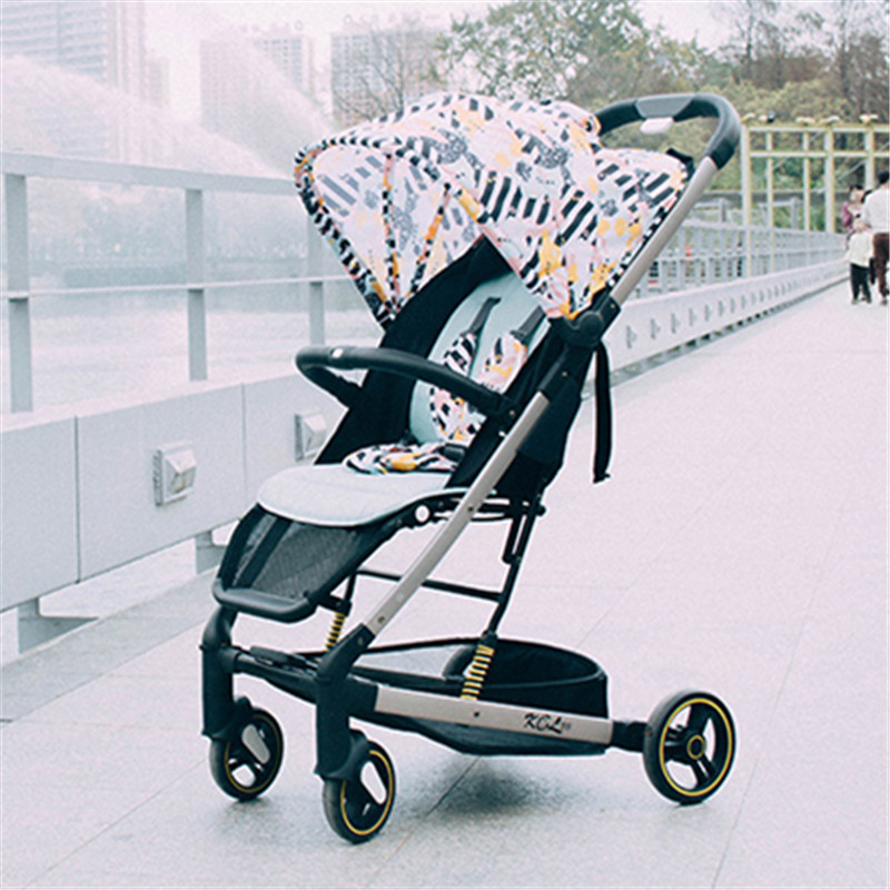 Luxury Baby Stroller 2 in 1 Lightweight Yoya Plus Baby Stroller Delivery Free Folding Can Sit or Lie Prams Trolley CarriageLuxury Baby Stroller 2 in 1 Lightweight Yoya Plus Baby Stroller Delivery Free Folding Can Sit or Lie Prams Trolley Carriage