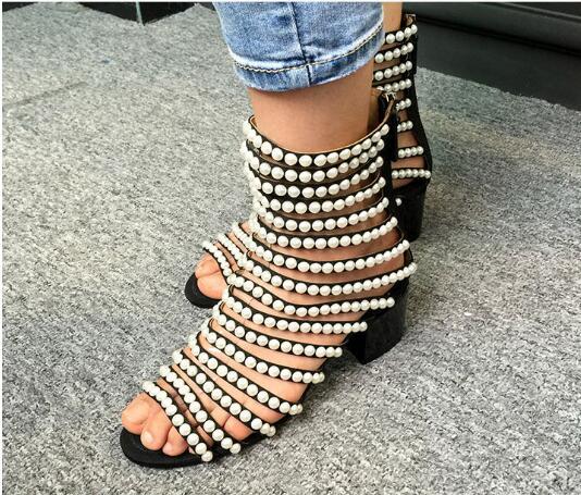 Vente chaude mode chaîne perle femmes gladiateur sandales Sexy perle décoration cheville sandales bottes Med talon fille sandales grande taille