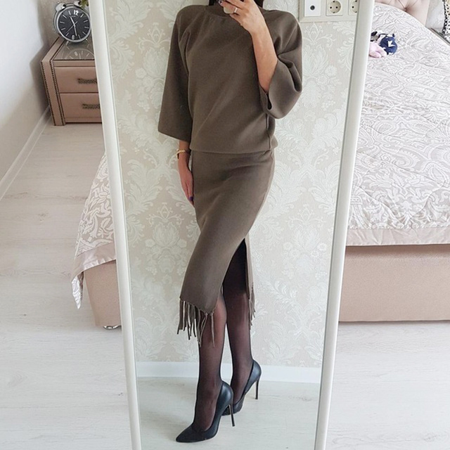 2018 Spring 2 Pieces Set Knitted Sweater Tassel Skirt Suits Elastic Waist Skirts Tracksuit Warm Pullovers Femme Outfits Mujer