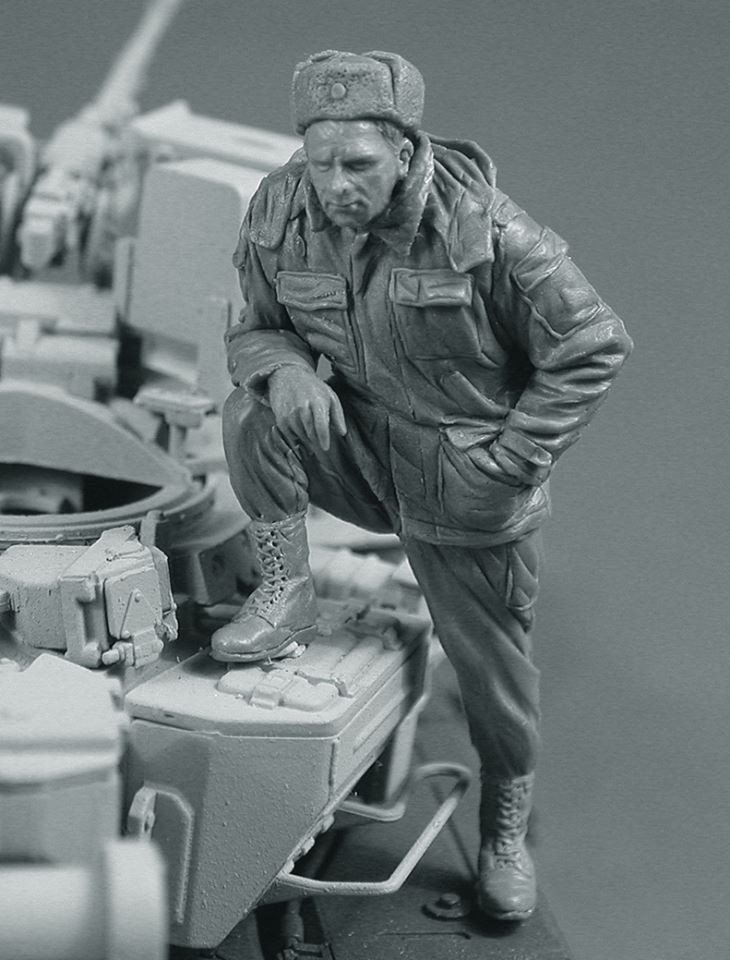 Scale Models 1/ 35 Modern Russian tanker standing soldier figure Historical WWII Resin Model Free Shipping