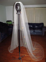 New Arrival White/ lvory 1 Tier Cathedral Wedding Veils Crystal Cut Edge Bridal Veil With Comb EE304