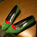 Зеленый Замша Натуральная Кожа Плоские Туфли Женщина Красные Губы 2017 Мода новый Острым Носом Красной Подошвой Скольжения На Весна Обувь Для Женщин