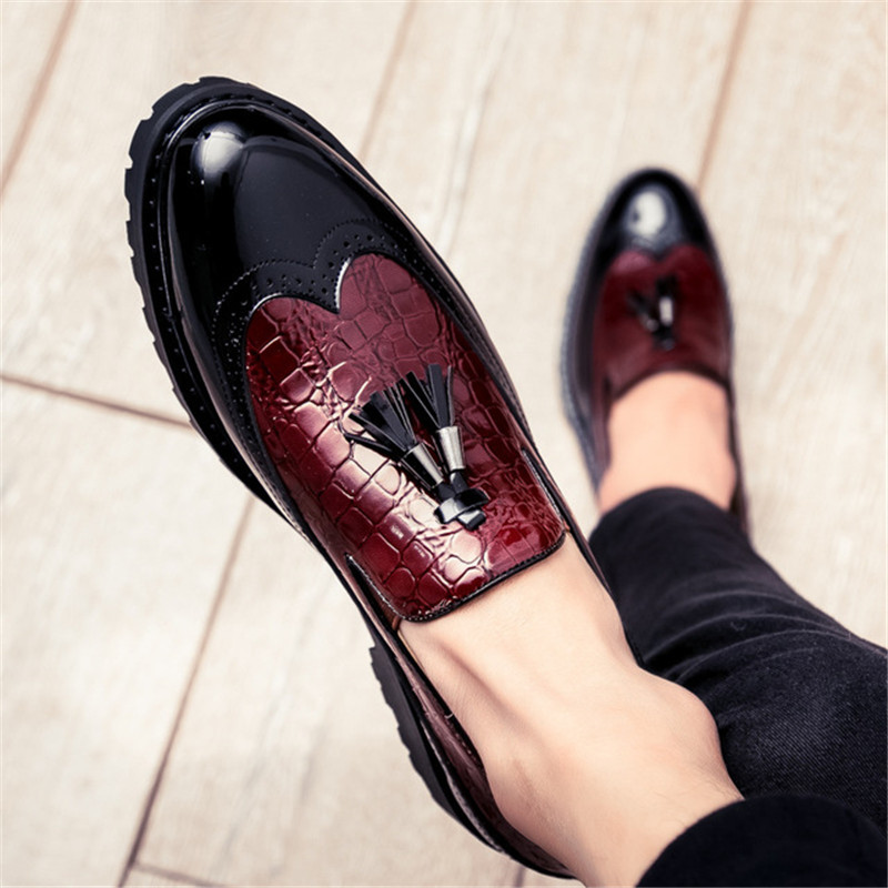 UPUPER Brogue Men Casual Shoes Slip On Leather Loafers Office Driving Shoes Men Moccasins Comfortable 2019 Autumn Fashion Shoes