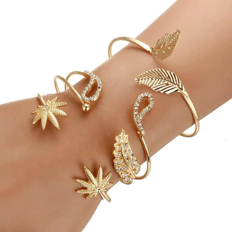 Leaf Design Open Circle Bangle Rhinestone Decor Simple Style Women Metal Jewelry Gold Ornament Female Daily Accessories