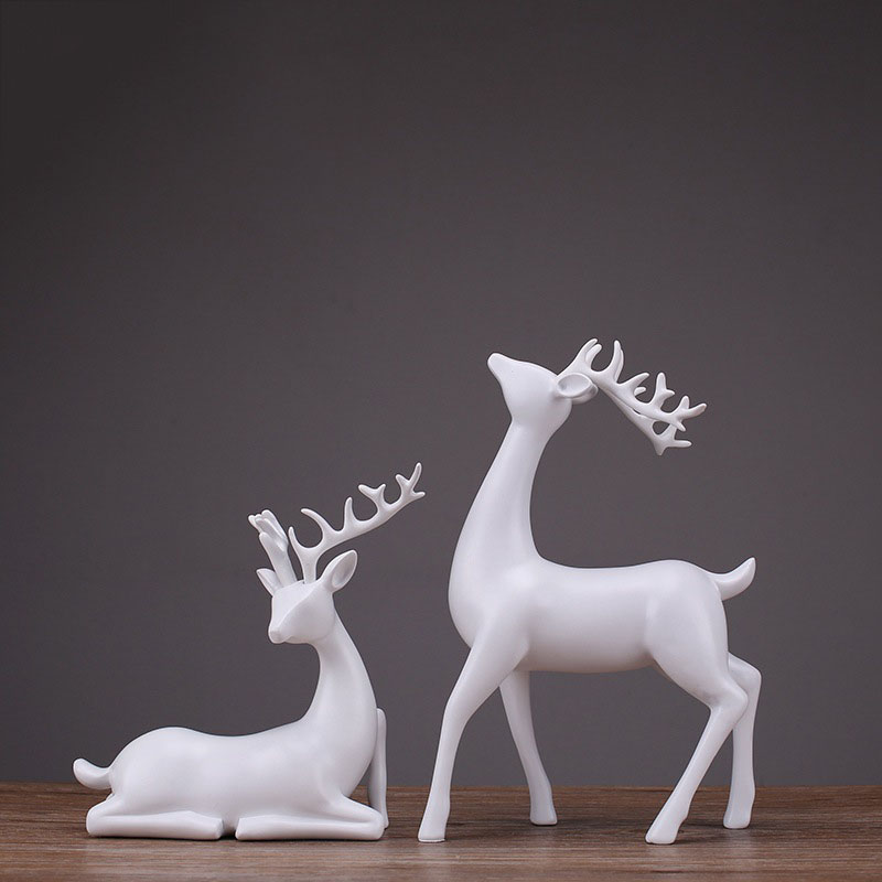 2 Pcs Deer Statue Sculpture European Style Resin Deers Living Room Bedroom Wine Cabinet Ornaments Creative Wedding Gifts Crafts
