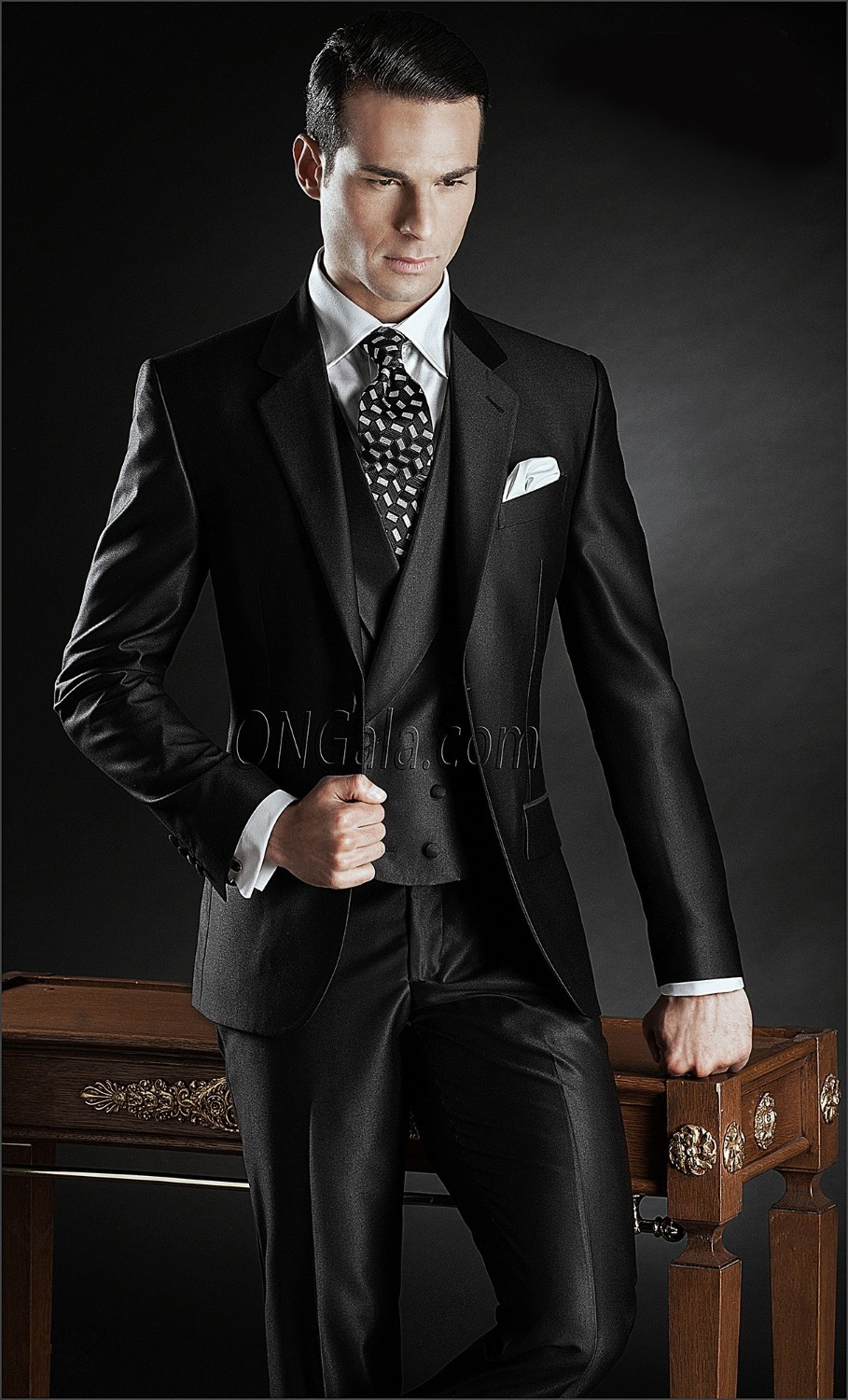 Slim Fit Groom Tuxedo Groomsmen Shiny Black Wedding Dinner Evening Suits Best Man Bridegroom Jacket Pants