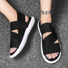 2018 New Fashion Men Sandals SANDALS Indoor Slippers Open-toed Leather Quality Mans Footwear Flip Flops