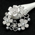 High Quality Classic Pearl Flower Brooches Crystal Silver/Gold Plated Alloy Jewelry  For Gift As Women 's Day