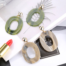 Acrylic earrings for women in Europe and the United States creative resin plate fashion person wholesale E42