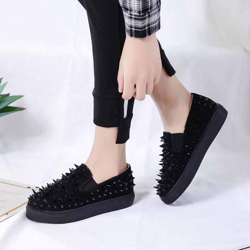 Noir Nouveau Cuir Bout 42 or Mocassins Rond Chaussures Confortable rouge Or forme En Troupeau Rivets Zapatos Dames Rouge 2018 Noir Slip Plate Casual Sur Femmes d8nWOdx1