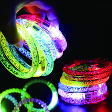 50 ピース/ロット Led 衣装カラフルな Led ライトアップブレスレット点滅アクリルグローイングブレスレットおもちゃ絶賛ネオン/Led のパーティーの装飾用品