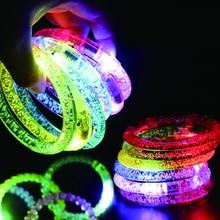 50 adet/grup Led kostüm renkli Led ışık up bilezik yanıp sönen akrilik parlayan bilezik oyuncaklar Rave Neon/Led parti dekor malzemeleri