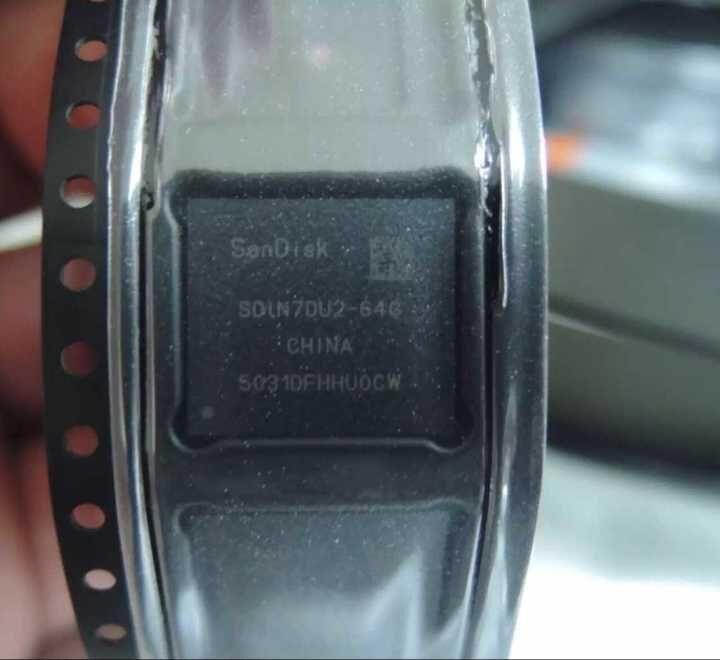(1PCS) (2PCS) (5PCS) (10PCS)  100% New original SDIN7DU2-64G   BGA  Memory chip 1pcs 2pcs 5pcs 10pcs 100% new original kmr310001m b611 bga memory chip