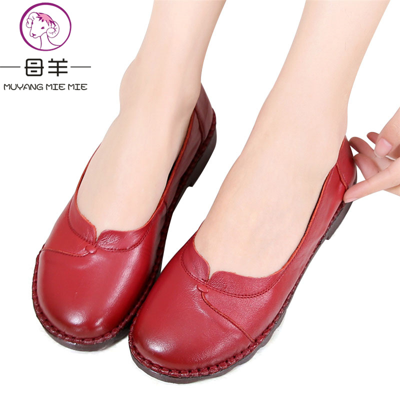 Women Flats 2018 NEW Spring And Autumn Genuine Leather Soft Flat Driving Shoes Women Shoes Mother Shoes Female Moccasins spring and autumn paragraph new women leather fashion large size women flat shoes casual comfortable soft bottom driving shoes