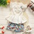 2016 Verão do bebê meninas t-shirt + calças terno rendas Chiffon Floral terno de algodão da menina barato princesa set-manga Curta calções de Flores