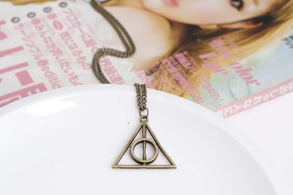 JINSE Vintage Unisex Women Triangle Pendant Deathly Hallows Bib Choker Statement Necklace Sweather Chain NEC103